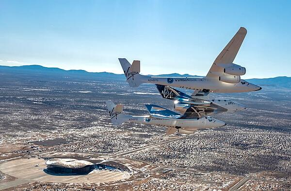 spaceshiptwo_unity_in_new_mexico